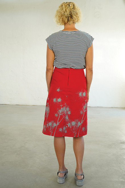 Back view with Bobby Top navy/white