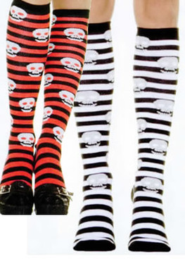5586, Striped knee high stockings with skull