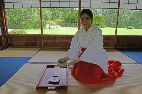 Japanese Etiquette Tips You May Not Know About