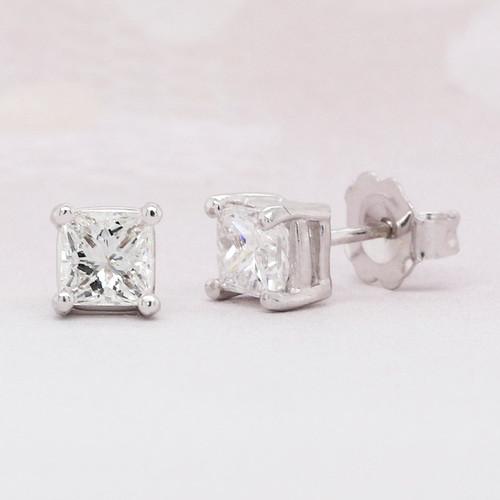 Diamond Solitaire Earring