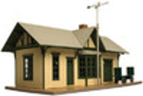 Walthers O gauge Golden Valley Depot, built up railroad station