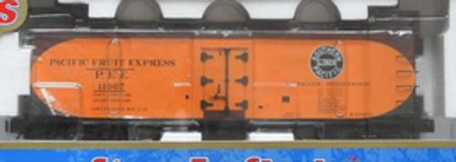 Atlas O PFE 40' wood reefer (early scheme), 3 rail  or 2 rail