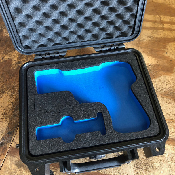 Pelican™ 1200 Gun and Knife Case