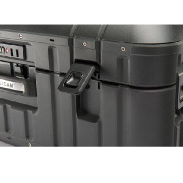 "Pelican Elite Vacationer Luggage 30"" Image"