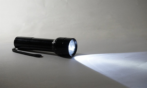Cheap 5 Watt Flashlight