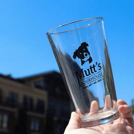 Mutt's Pourhouse | Pint Glass