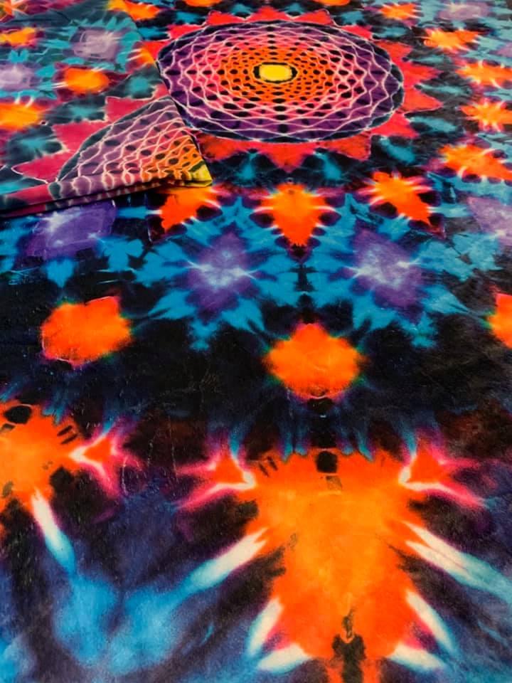 Fleece tie dye blanket