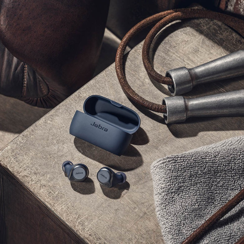 Jabra Elite Active 75t True Wireless Earbuds With Active Noise Cancellation And Wireless Charging Case (Navy)