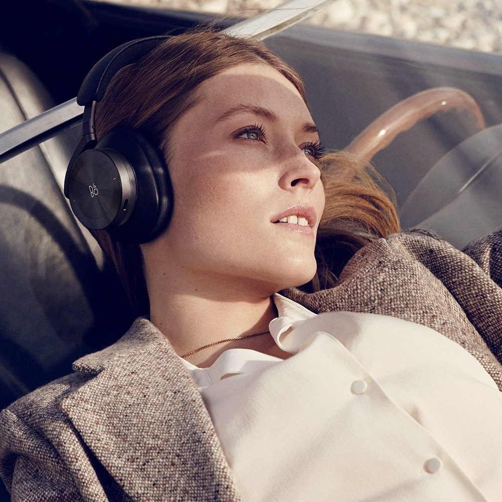 Bang & Olufsen Beoplay H95 Adaptive Active Noise Cancelling Wireless Headphones (Black)