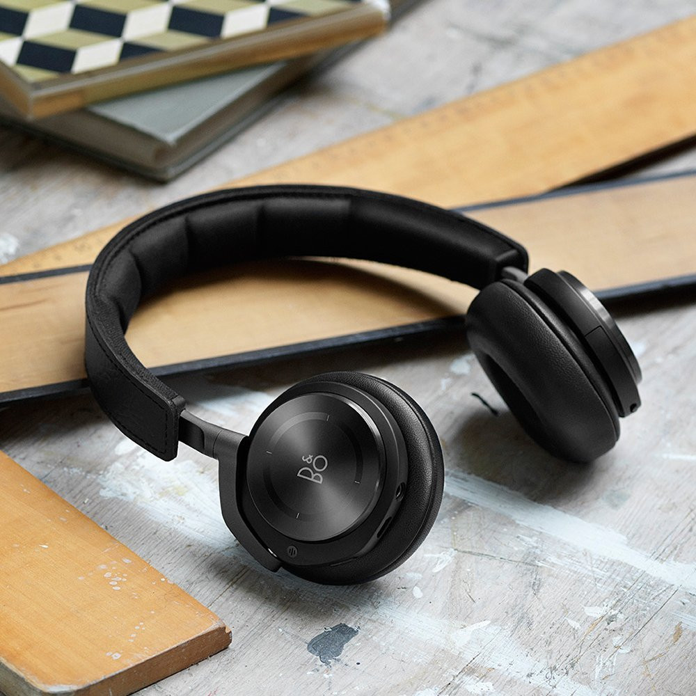 B&O PLAY by Bang & Olufsen BeoPlay H8 Wireless Noise Cancelling Headphones (Black)
