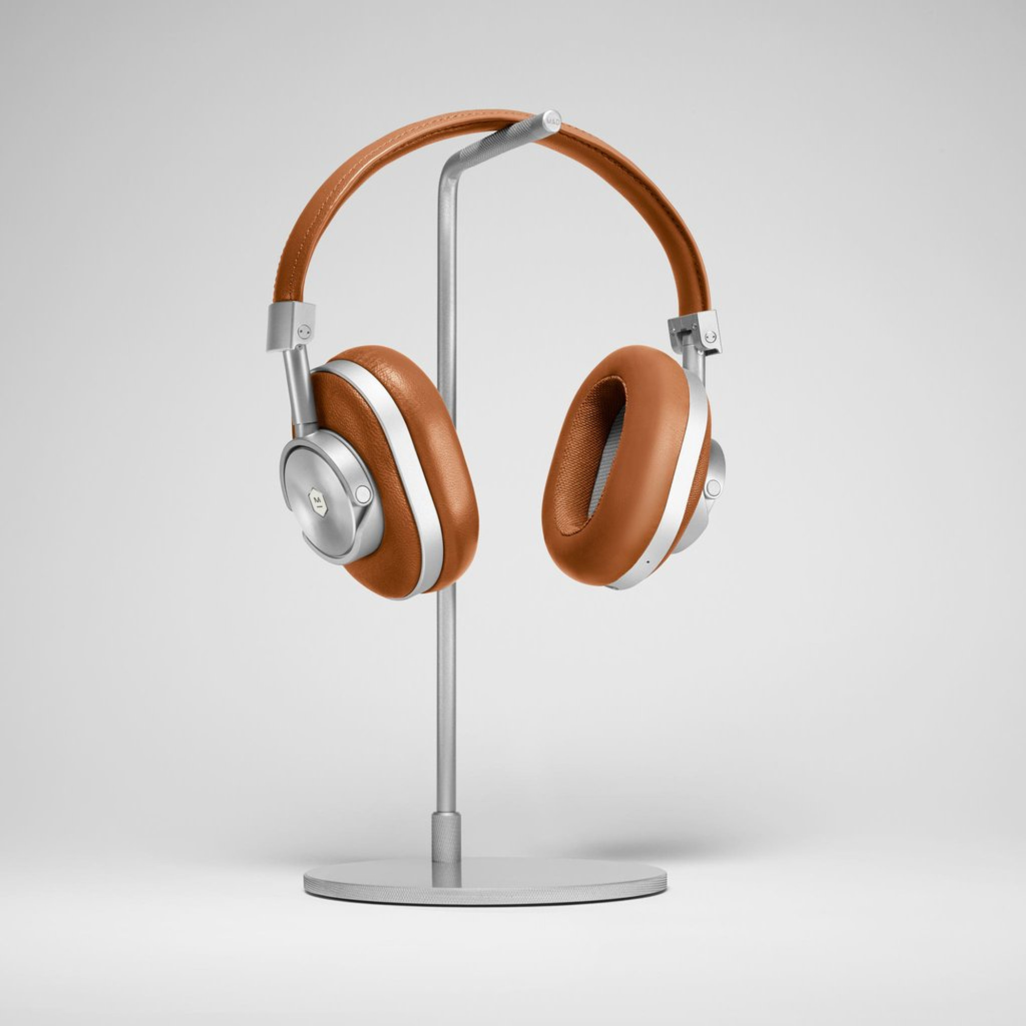 3a4e181f371 ... Master & Dynamic MW60 Wireless Over Ear Headphones (Brown) ...