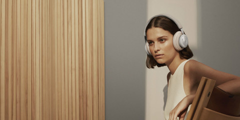 Bang & Olufsen Releases The New, 2nd Generation Beoplay H4: Minimalist Design and Superior Sound