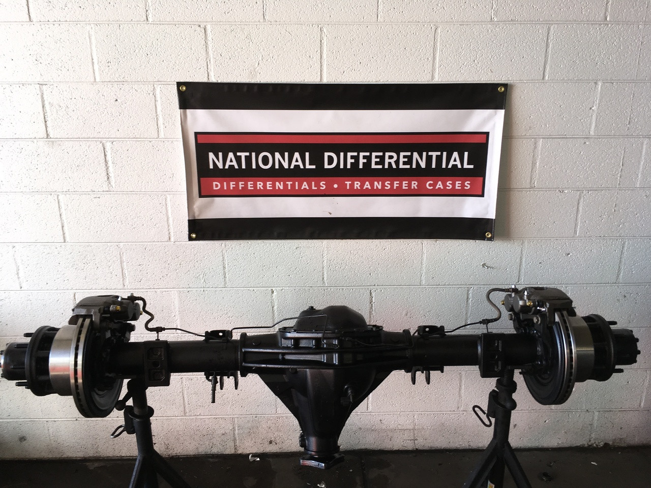 11.25 Rear Differential for 2003-2008 DRW Dodge 3500 Pickup with Dual Rear Wheels.  Available with 3.42, 3.73 or 4.10 gear ratios and limited slip.  Does not include brakes as shown in photo.
