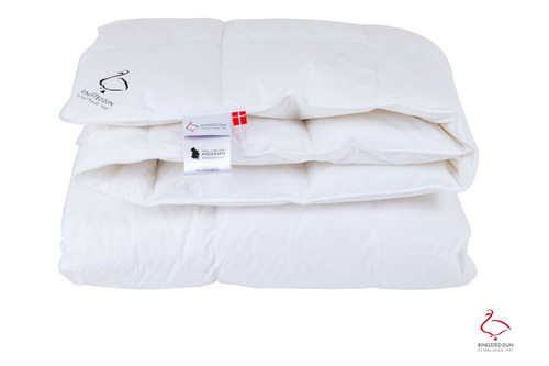 Scandinavian Goose Down Comforter All-Year TWIN