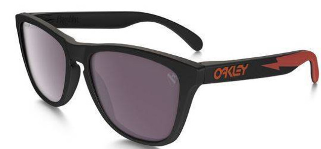 Oakley SI Frogskin A Surf Sunglasses with Prizm Daily Polarized Lenses OO9013-84