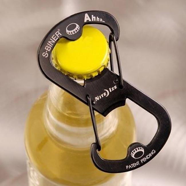 Nite Ize Ahhh... S-Biner Stainless Bottle Opener Black Detail