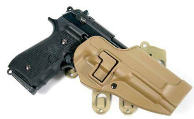 Blackhawk S.T.R.I.K.E. Platform with SERPA Holster coyote tan
