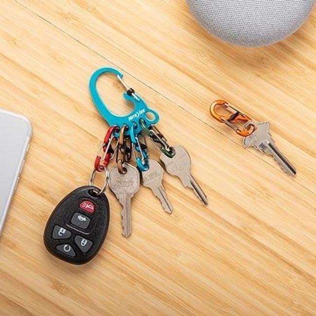 Nite Ize BigFoot Locker Aluminum KeyRack feature