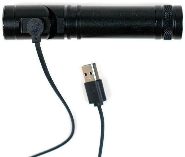 LA Police Gear Twist Angle 750 Lumen Flashlight - Magnetic Charging Cord