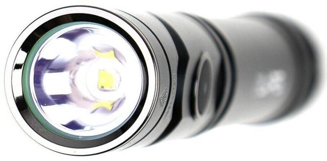 LA Police Gear Twist Angle 750 Lumen Flashlight - Bezel