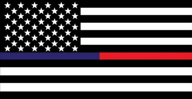 LA Police Gear Medium Thin Red - Thin Blue Line Flag 3.25 x 1.75 Sticker FLAGSTICKER-TBRLM