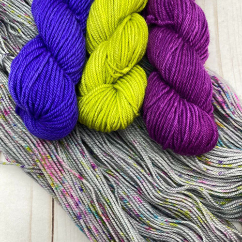 Frabjous Fibers/Wonderland Yarns LYS Kit 1