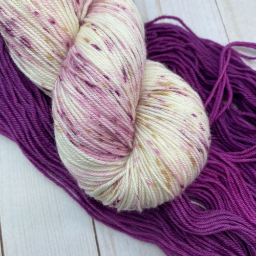 Frabjous Fibers/Wonderland Yarns LYS Kit 2