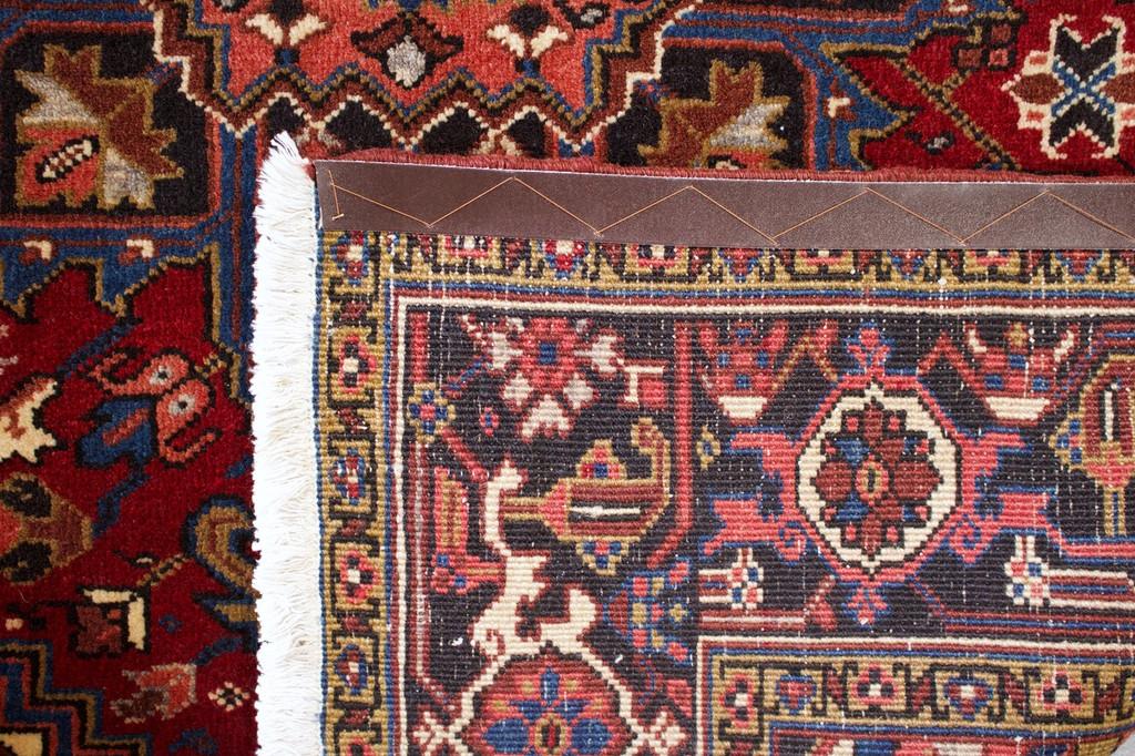 Heriz Vintage Persian Rug (Ref 25) 200x150cm