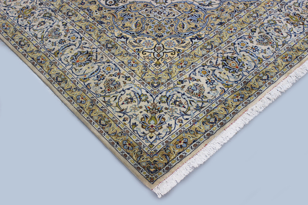 Pistachio Kork Kashan Fine Persian Rug (Ref 85) 365x250cm