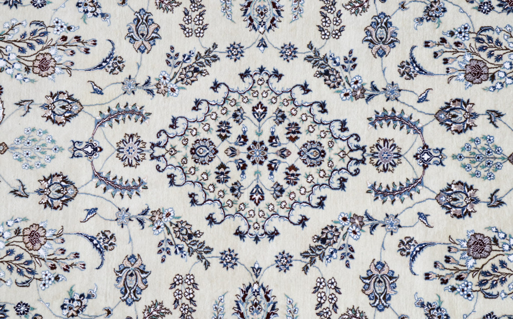 Nain Fine Wool & Silk Inlay 9la Persian Rug (Ref 15) 310x203cm