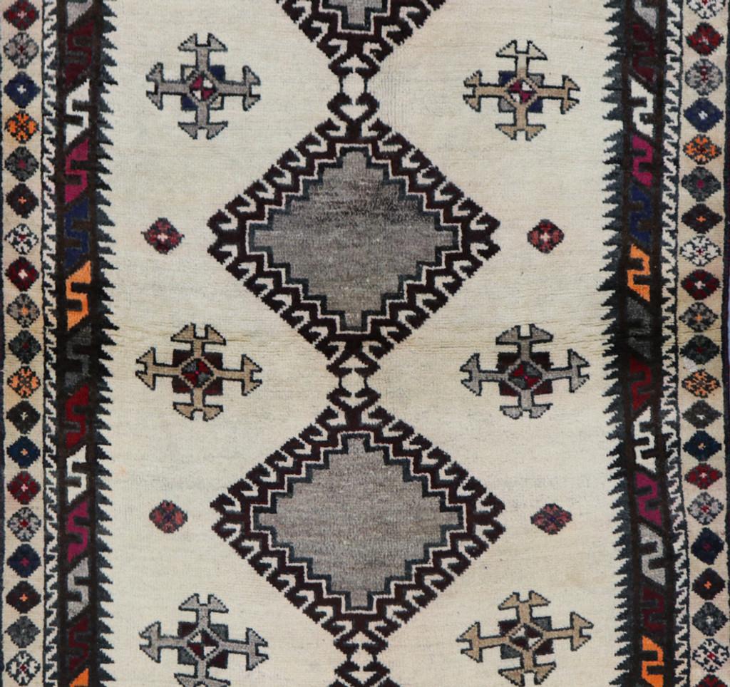 Shiraz Qashqai  Persian Rug (Ref 365) 210x120cm