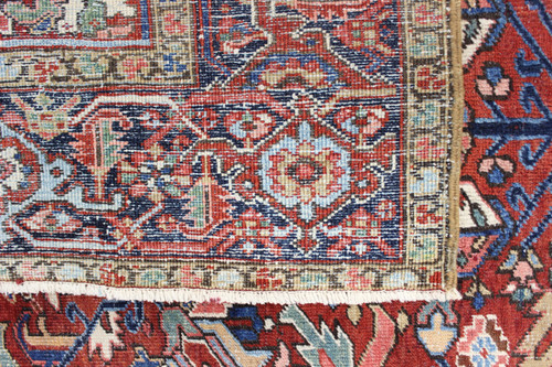 Heriz Fine Antique Persian Village Rug (Ref 37) 285x196cm
