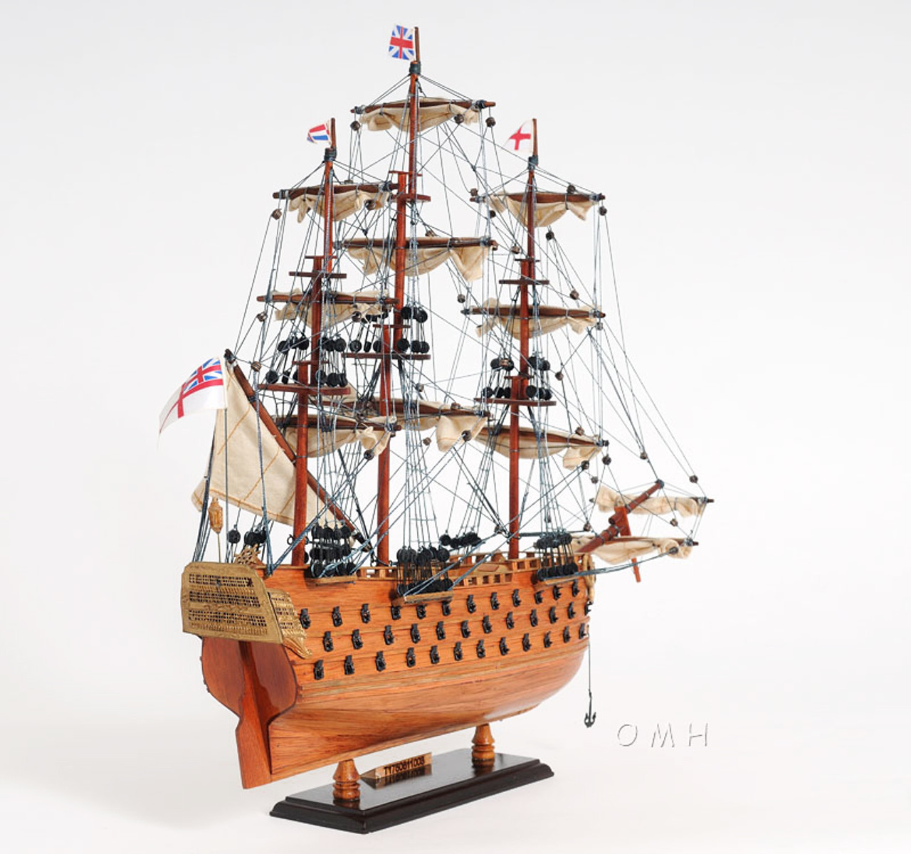 HMS Victory Lord Nelsons Flagship Model Display Case