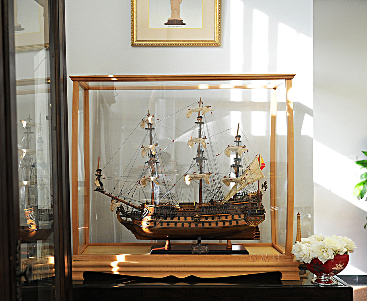 Display Case Tall Ship Yacht Sailboat Model