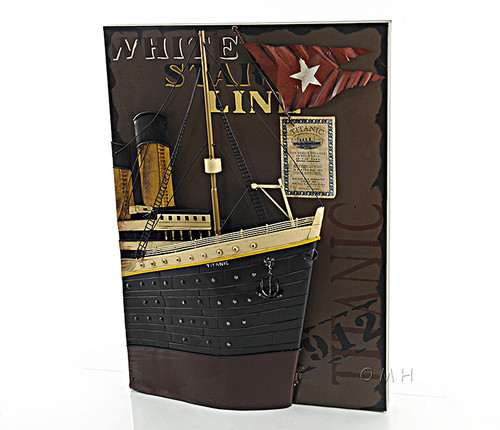 RMS Titanic Bow 3D Model Painting White Star
