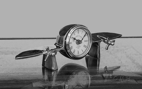 Airplane Clock Aluminum Desktop Mantel Shelf Aviation Decor