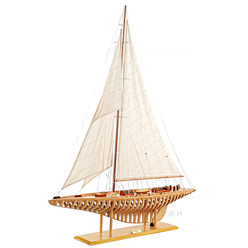 Shamrock V Exposed Ribs Open Hull Wood Model