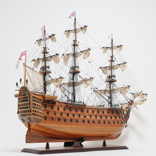 HMS Victory w/ Table Top Display Case Nelson's Flagship Ship Model