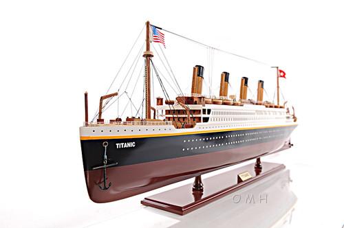 Titanic Ocean Liner Model Display Case White Star