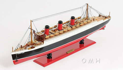 Queen Mary Ocean Liner Model Display Case Cunard