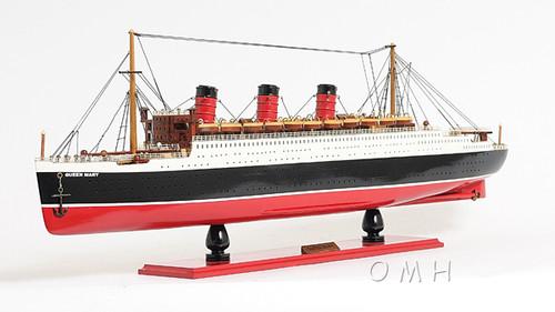 Queen Mary Ocean Liner Model Display Case Cruise Ship