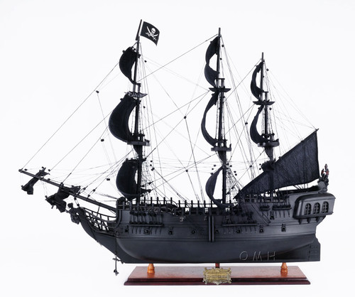 Caribbean Pirate Ship Model Table Top Display Case
