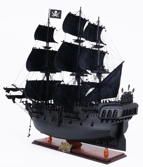Black Pearl Pirate Ship Model Opening Front Display Case