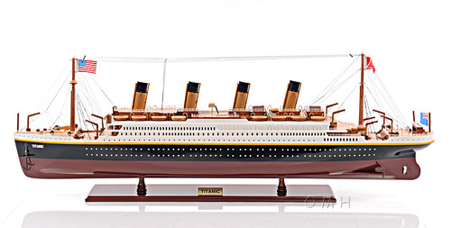 RMS Titanic Model Ocean Liner Cruise Ship