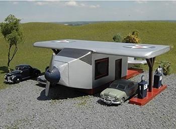 Bachmann 35201 HO Scale Airplane Gas Station