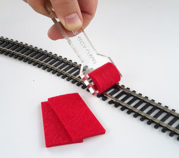 Bachmann 39013 ON30/HO/ N Scales Hand-Held Track Cleaner