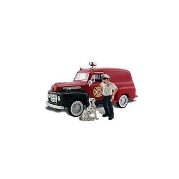 Autoscene Fire Chief Panel Truck w/Figures HO Scale Woodland Scenics