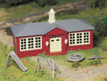 Bachmann 45611 O Scale School House with Playground Equipment