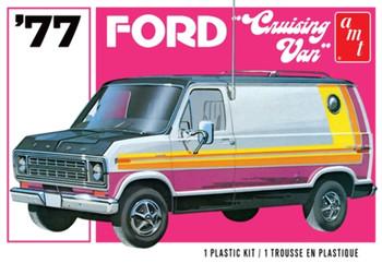 AMT 1108 1:25 1977 Ford Cruising Van Model Kit