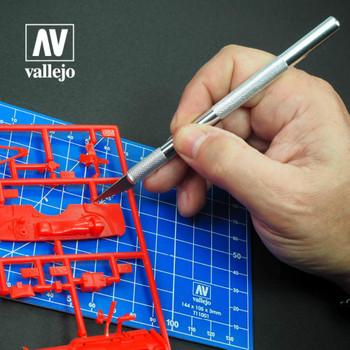 Vallejo T06006 Modeling Knife no. 1